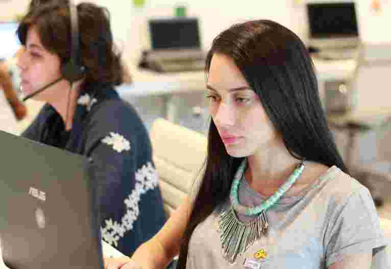 Burcu Aşar - Müşteri Temsilcisi